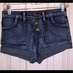Forever 21 jean shorts size 25